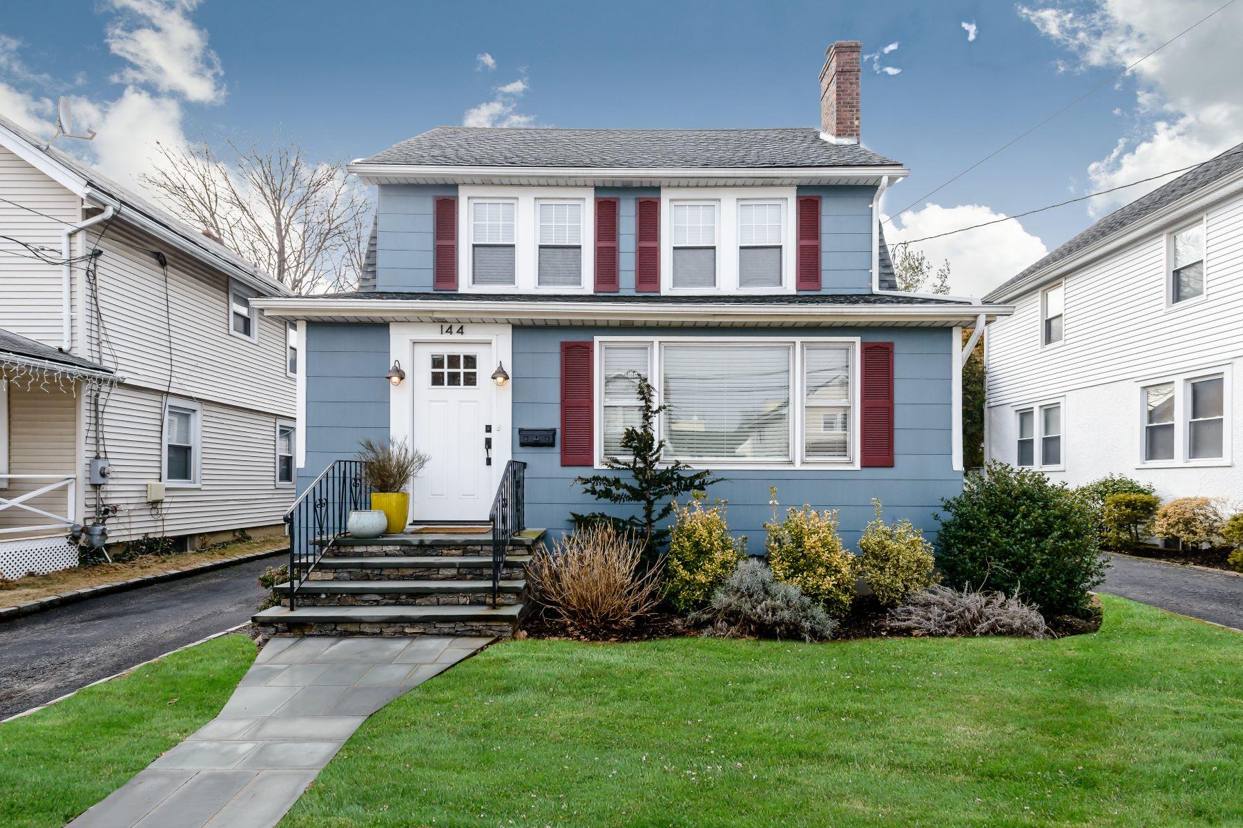 独户住宅 为 销售 在 144 Bayview Ave , Port Washington, NY 11050 144 Bayview Ave, 华盛顿港, 纽约州, 11050 美国