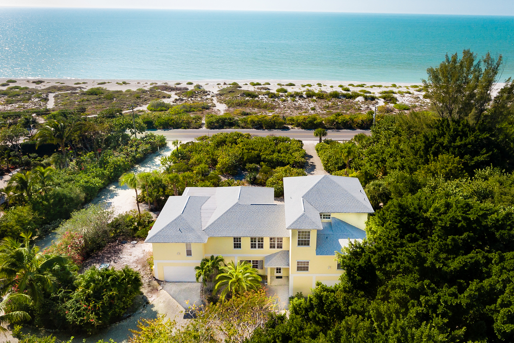 Maison unifamiliale pour l Vente à SANIBEL 13550 Palmflower Ln Captiva, Florida, 33924 États-Unis