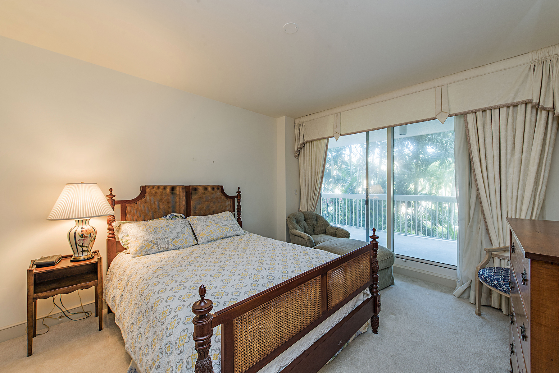 Additional photo for property listing at PARK SHORE - BRITTANY 4021  Gulf Shore Blvd  N 206,  Naples, Florida 34103 United States