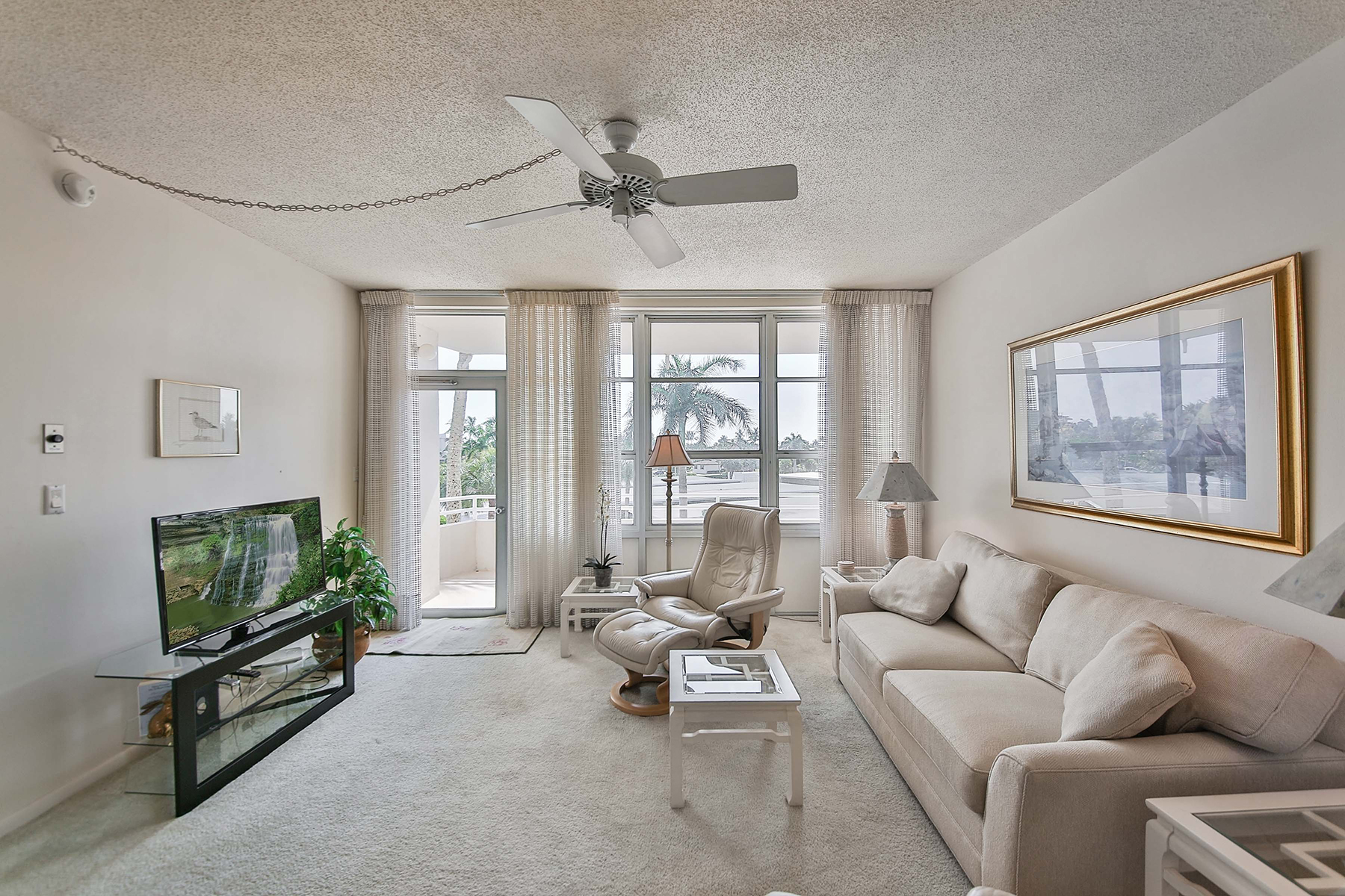 Condominium for Sale at MARCO ISLAND 240 Seaview Ct 304, Marco Island, Florida 34145 United States