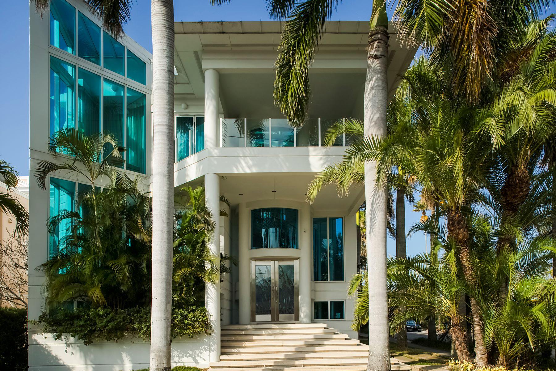 Частный односемейный дом для того Продажа на ST PETE BEACH 2917 Sunset Way St. Pete Beach, Флорида, 33706 Соединенные Штаты