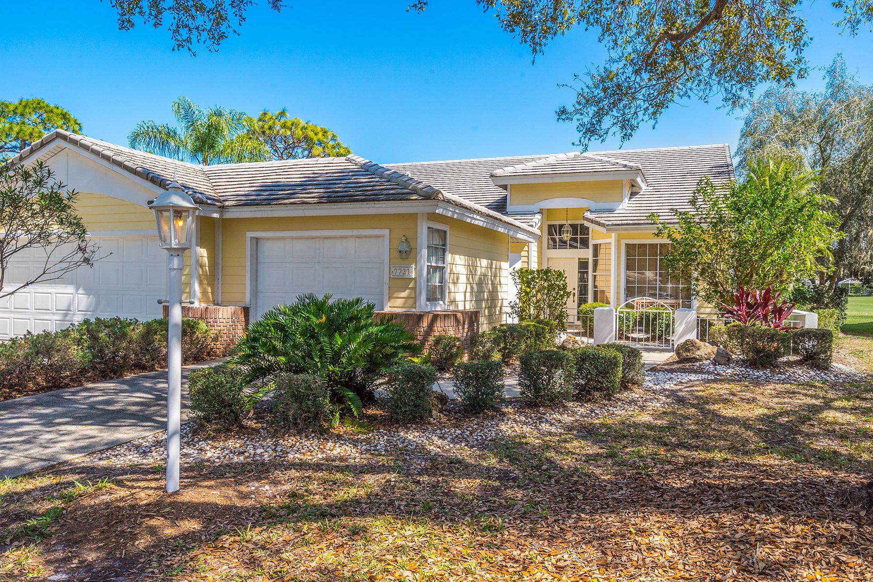 Single Family Home for Sale at UNIVERSITY PARK COUNTRY CLUB 7721 Whitebridge University Park, Florida, 34201 United States