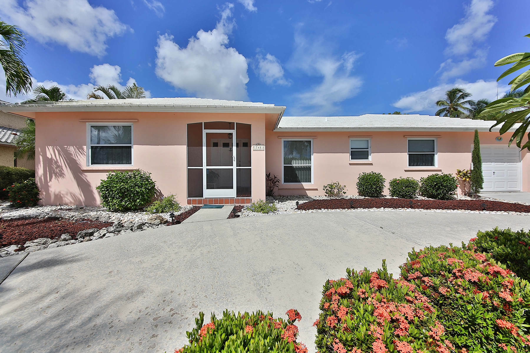 Single Family Home for Sale at MARCO ISLAND 748 N Barfield Dr, Marco Island, Florida 34145 United States