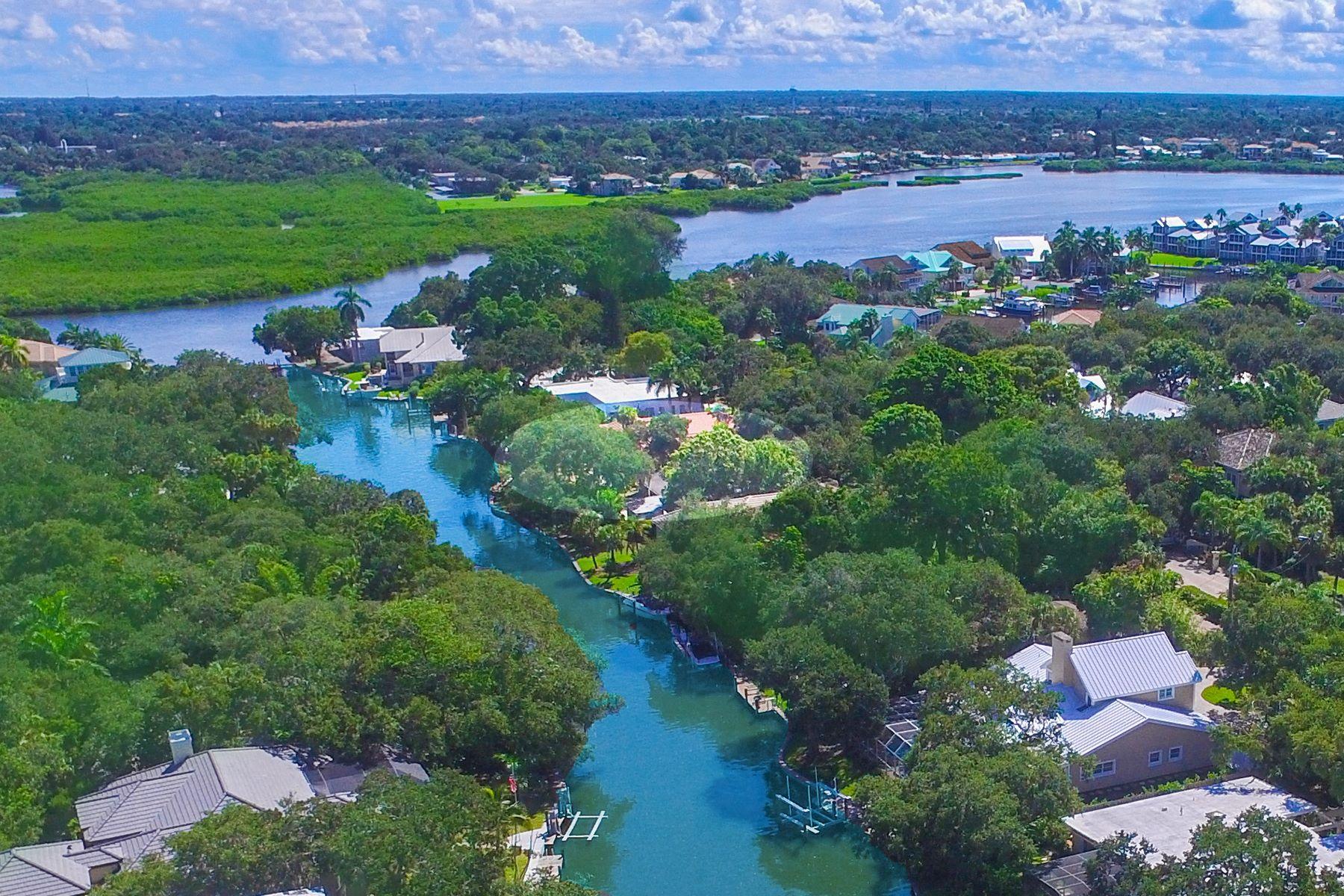 Casa para uma família para Venda às SIESTA KEY 1251 Southport Dr Sarasota, Florida, 34242 Estados Unidos