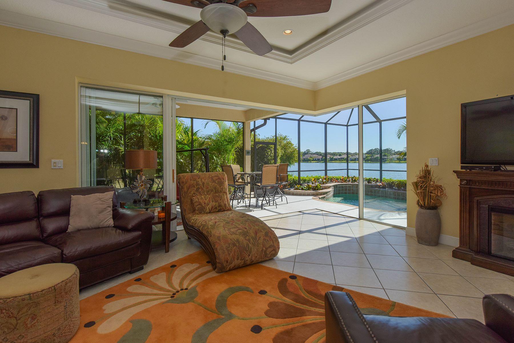 Casa para uma família para Venda às WILLOWBEND 553 Crane Prairie Way Osprey, Florida, 34229 Estados Unidos