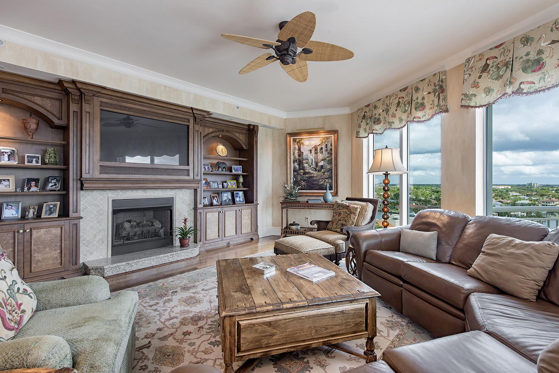 Condominio por un Venta en PARK SHORE - ARIA 4501 Gulf Shore Blvd N 1001 Naples, Florida, 34103 Estados Unidos