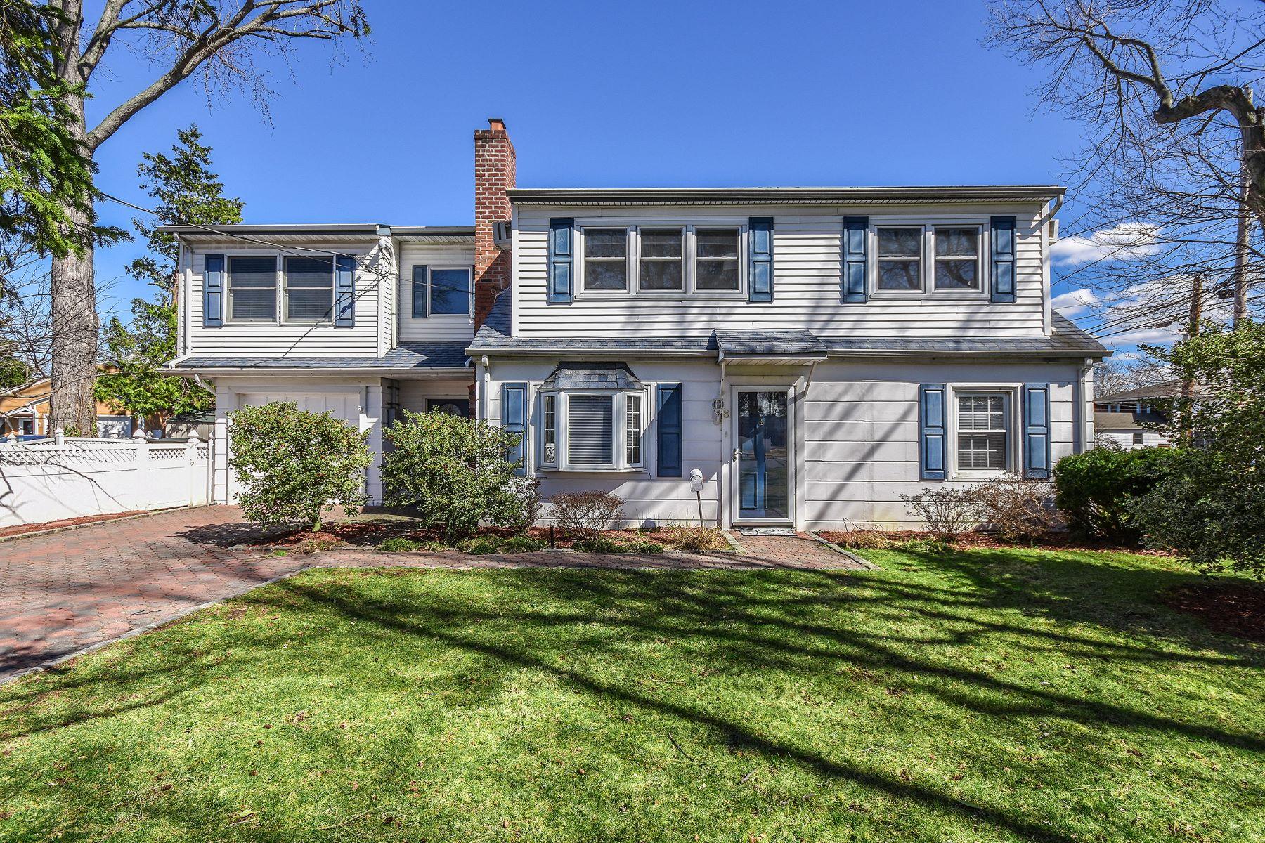Частный односемейный дом для того Продажа на 8 Manhasset Ave , Port Washington, NY 11050 Port Washington, Нью-Йорк, 11050 Соединенные Штаты