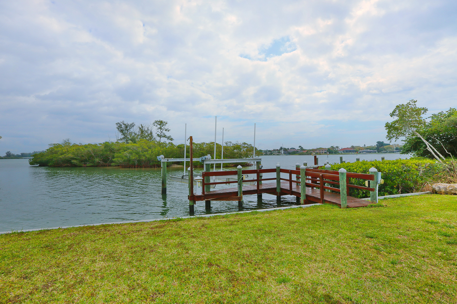 Additional photo for property listing at ENCHANTED ISLES 473  Anchorage Dr,  Nokomis, Florida 34275 United States