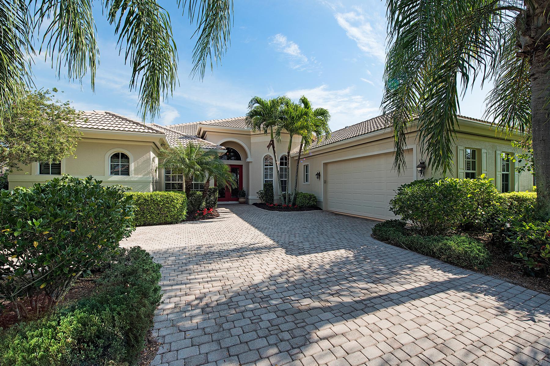 Casa para uma família para Venda às CEDAR GLEN 9110 Hollow Pine Dr Estero, Florida 34135 Estados Unidos