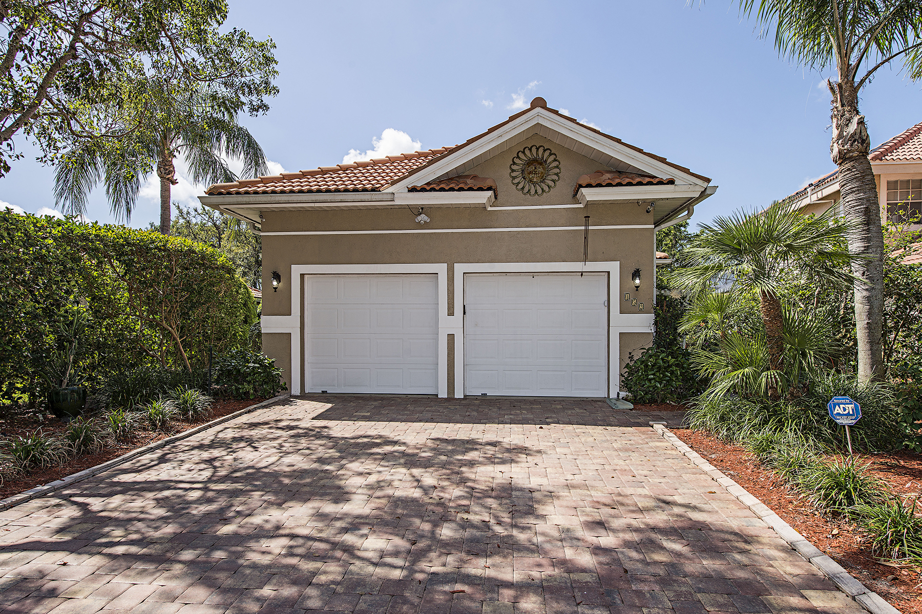 واحد منزل الأسرة للـ Sale في VINEYARDS - NAPA RIDGE 152 Napa Ridge Way, Vineyards, Naples, Florida, 34119 United States