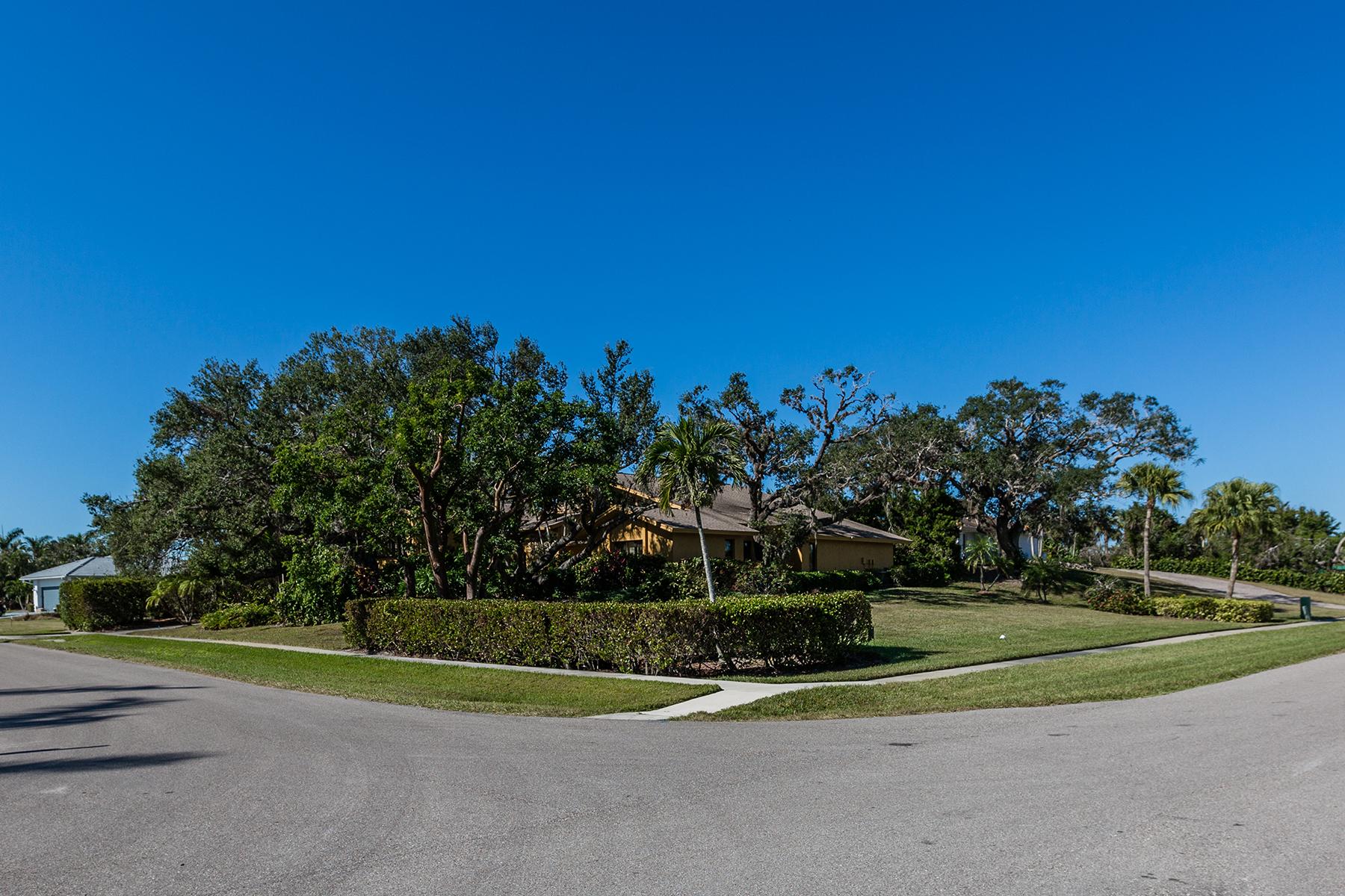 Частный односемейный дом для того Продажа на MARCO ISLAND 902 E Inlet Dr, Marco Island, Флорида, 34145 Соединенные Штаты