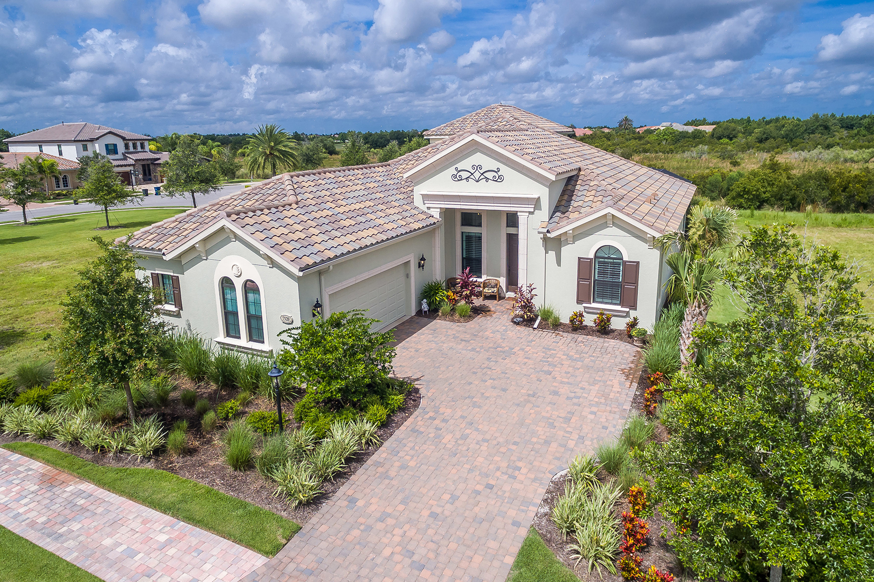 Single Family Home for Sale at COUNTRY CLUB EAST 7520 Windy Hill Cv Cv, Lakewood Ranch, Florida, 34202 United States