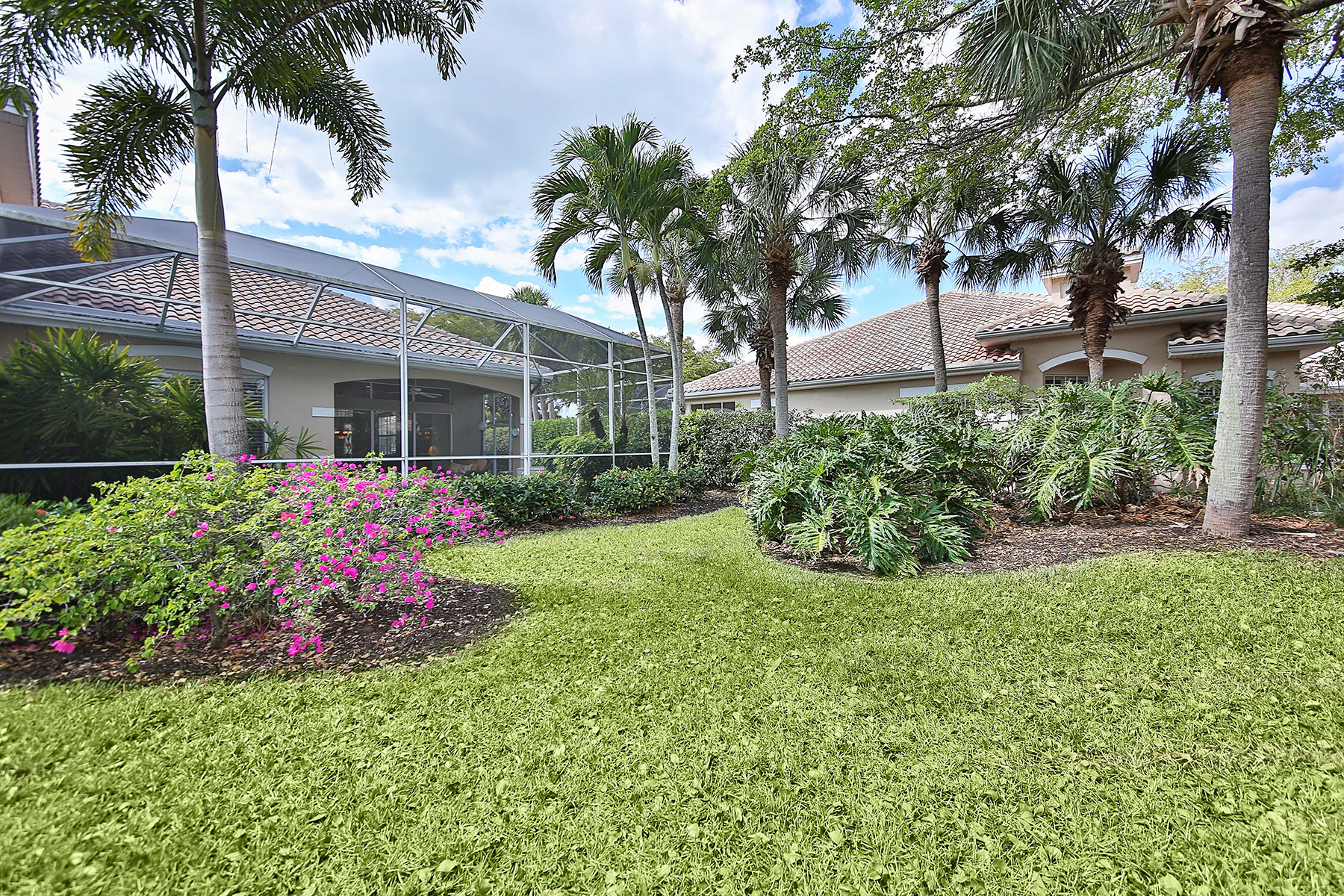 Additional photo for property listing at PELICAN LANDING - BAYCREST 25279  Galashields Cir Bonita Springs, Florida 34134 United States
