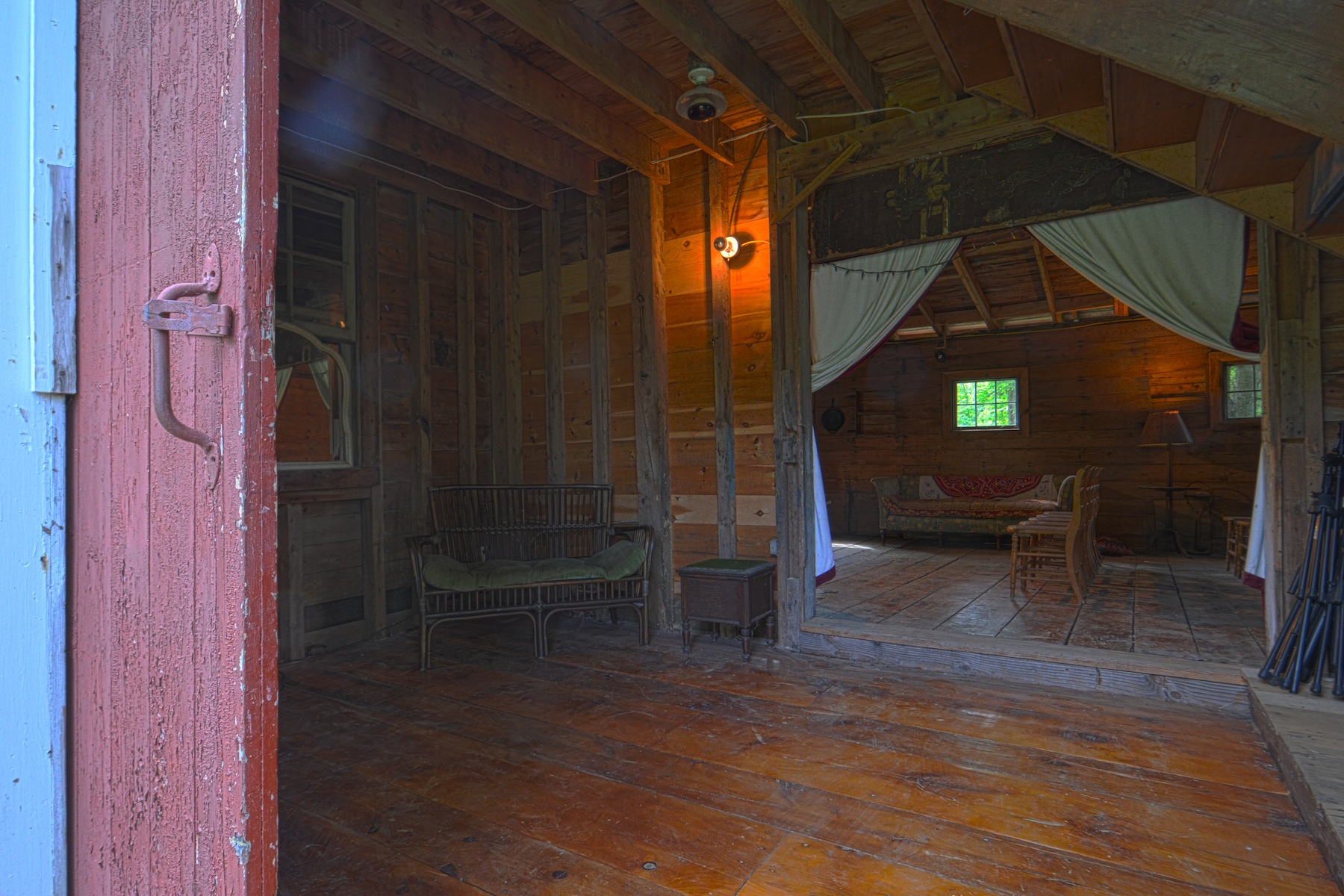 Additional photo for property listing at Carver's Barn - A Love for the Arts 81  Green Hill Rd Hunter, 뉴욕 12427 미국