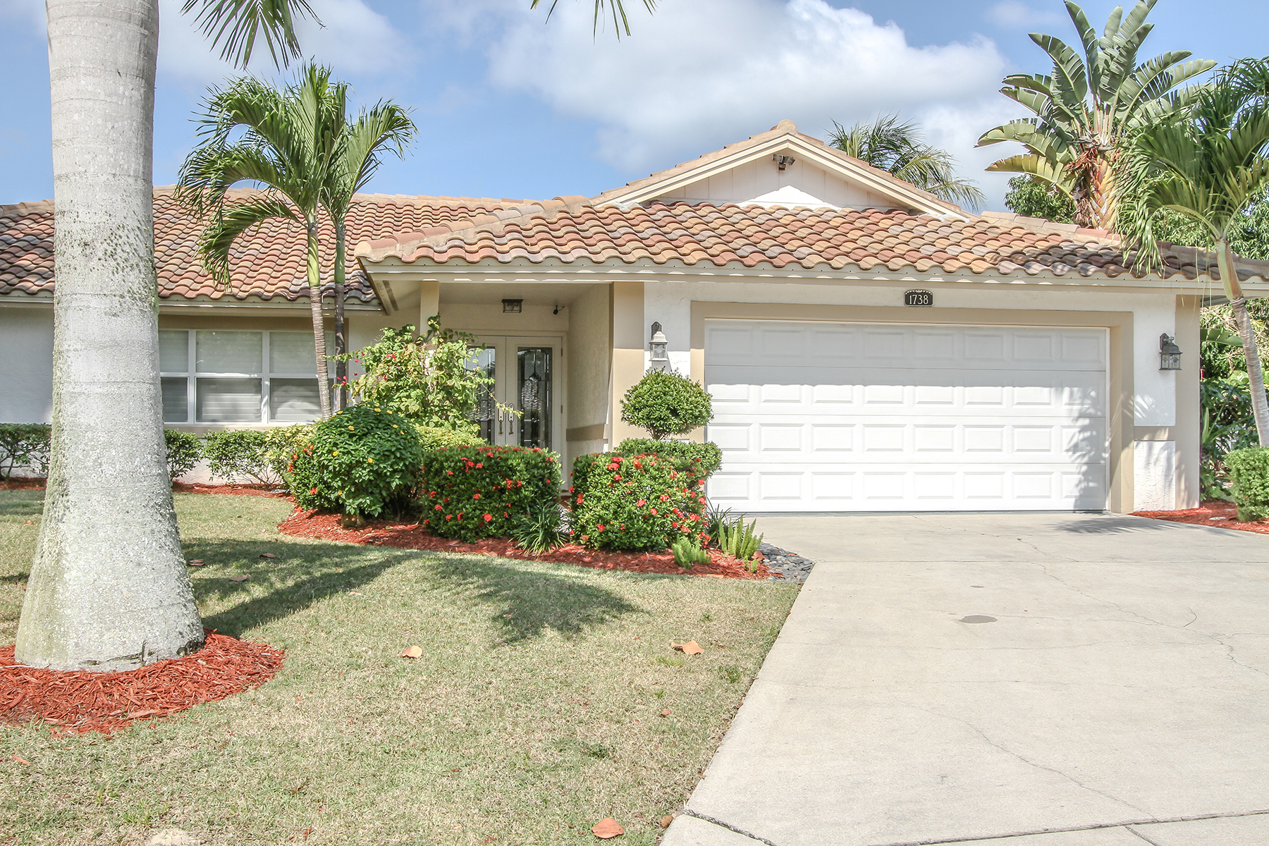 Single Family Home for Rent at MARCO BEACH 1738 Dogwood Dr, Marco Island, Florida 34145 United States