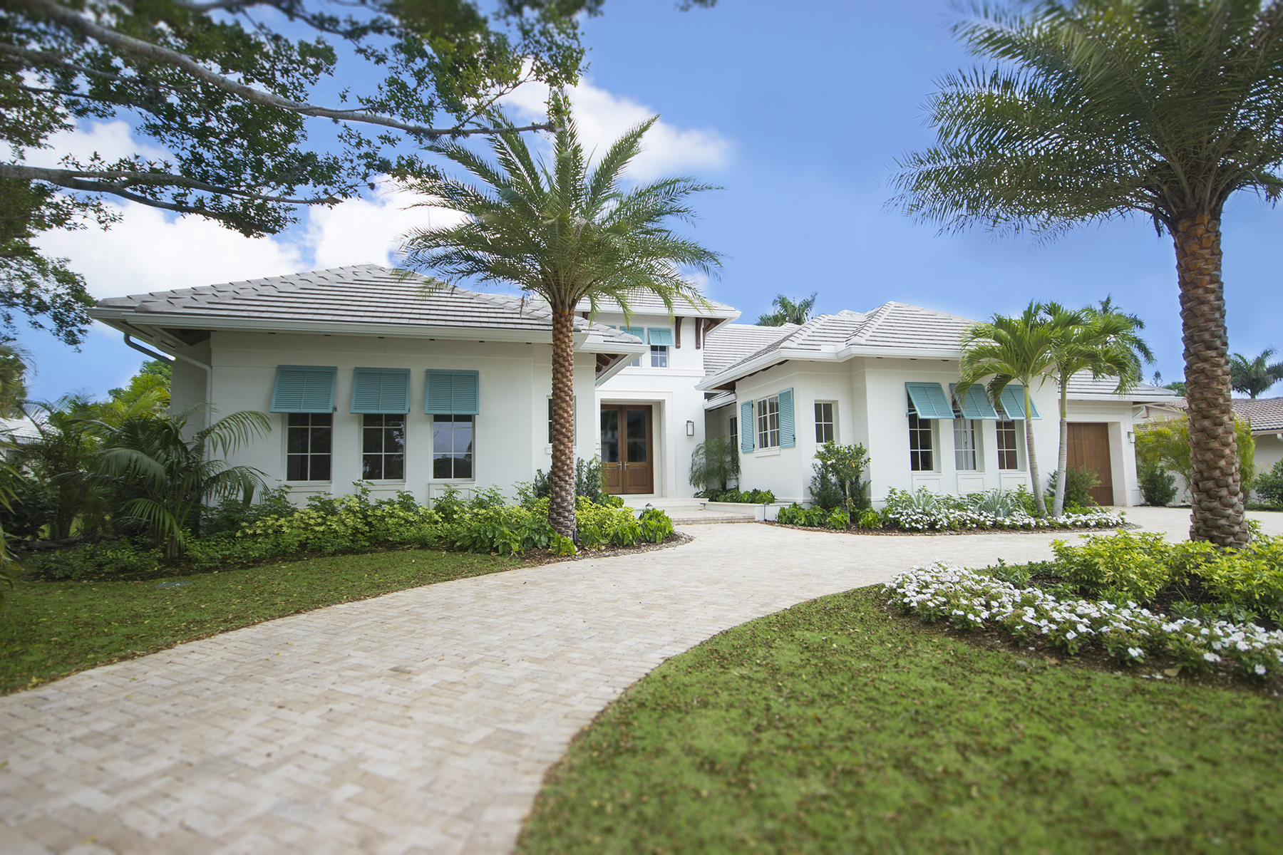 Single Family Home for Sale at MOORINGS 3156 Crayton Rd, Naples, Florida 34103 United States