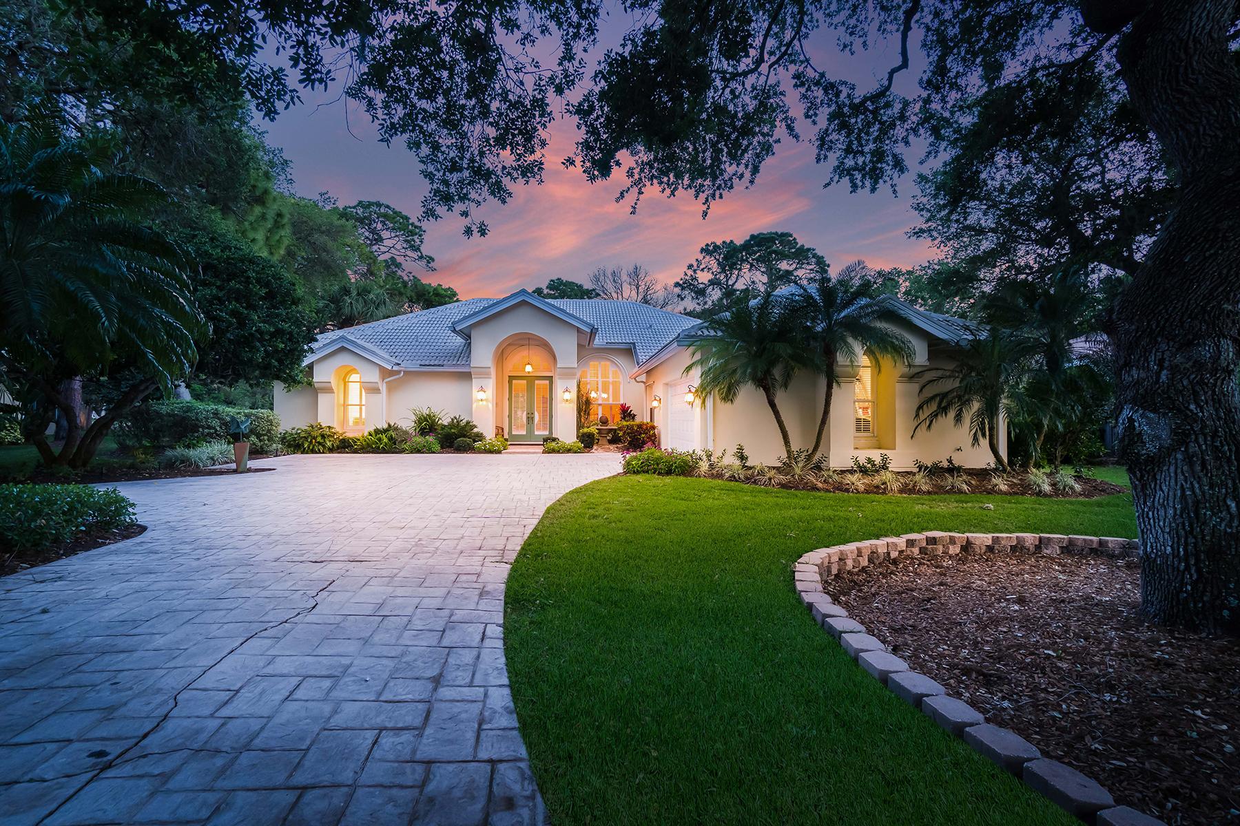 Nhà ở một gia đình vì Bán tại THE OAKS CLUB 863 Macewen Dr Osprey, Florida, 34229 Hoa Kỳ