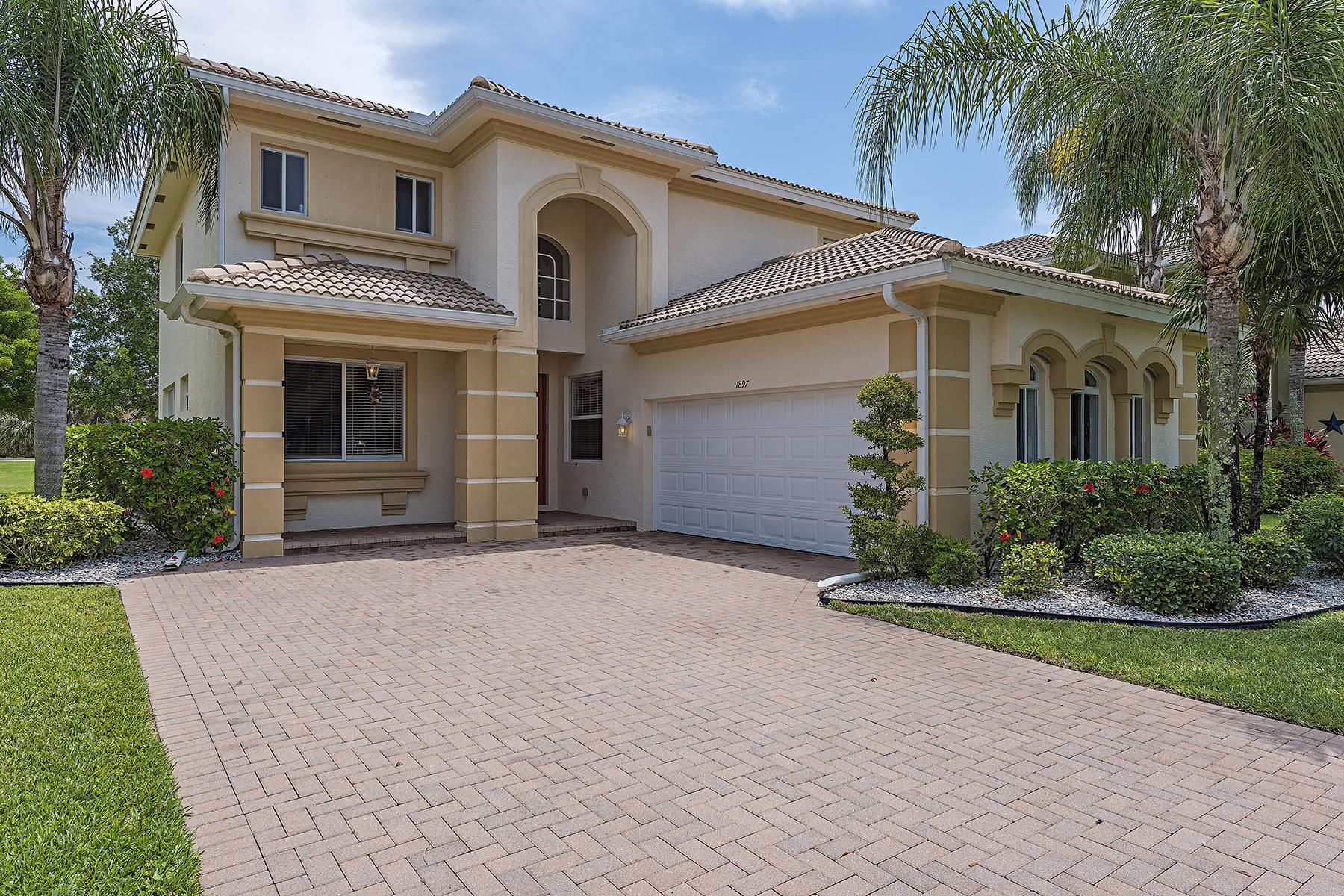 Частный односемейный дом для того Продажа на VALENCIA LAKES - VALENCIA COUNTRY CLUB 1897 Par Dr Naples, Флорида, 34120 Соединенные Штаты