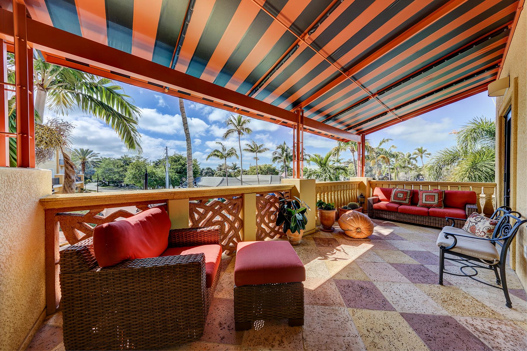 Condomínio para Venda às OLDE NAPLES - 555 ON FIFTH 555 5th Ave S 201 Naples, Florida, 34102 Estados Unidos
