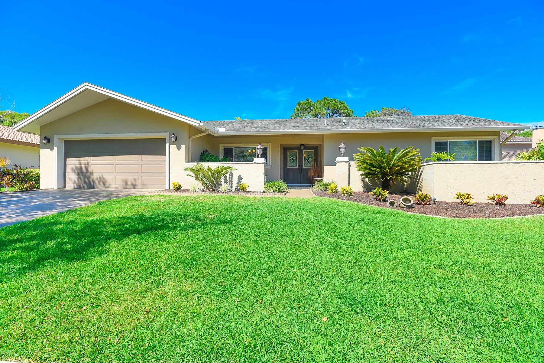 Single Family Home for Sale at CLEARWATER 2886 Wildwood Dr, Clearwater, Florida, 33761 United States