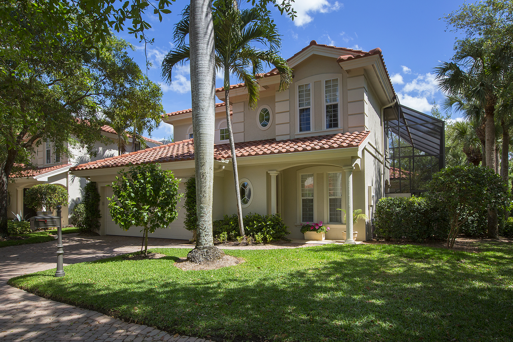 Single Family Home for Sale at 2594 Lermitage Ln , Naples, FL 34105 2594 Lermitage Ln Naples, Florida, 34105 United States