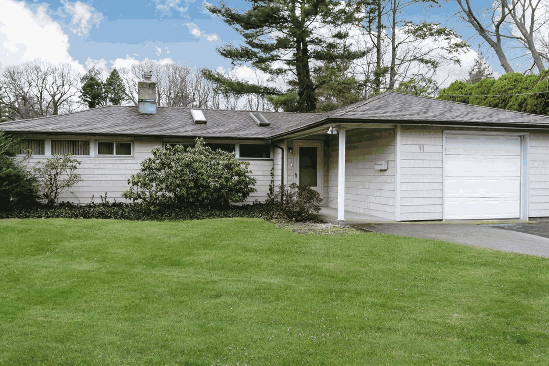 Single Family Home for Sale at 11 Park Ave , Greenvale, NY 11548 11 Park Ave, Greenvale, New York, 11548 United States