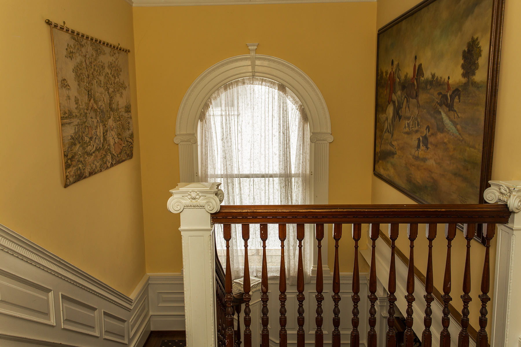 Additional photo for property listing at Downtown Saratoga Victorian Mansion 115  Circular St 萨拉托贾斯普林斯, 纽约州 12866 美国