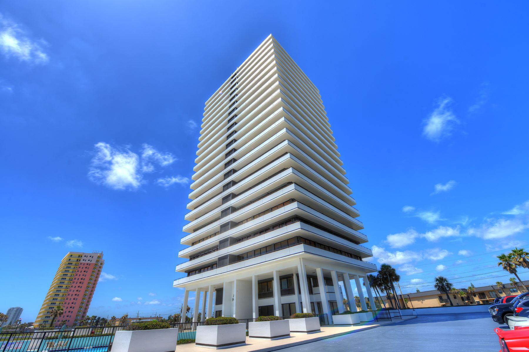 Condomínio para Venda às SPRUCE CREEK AND THE BEACHES-DAYTONA BEACH 2200 N Atlantic Ave 1502 Daytona Beach, Florida 32118 Estados Unidos