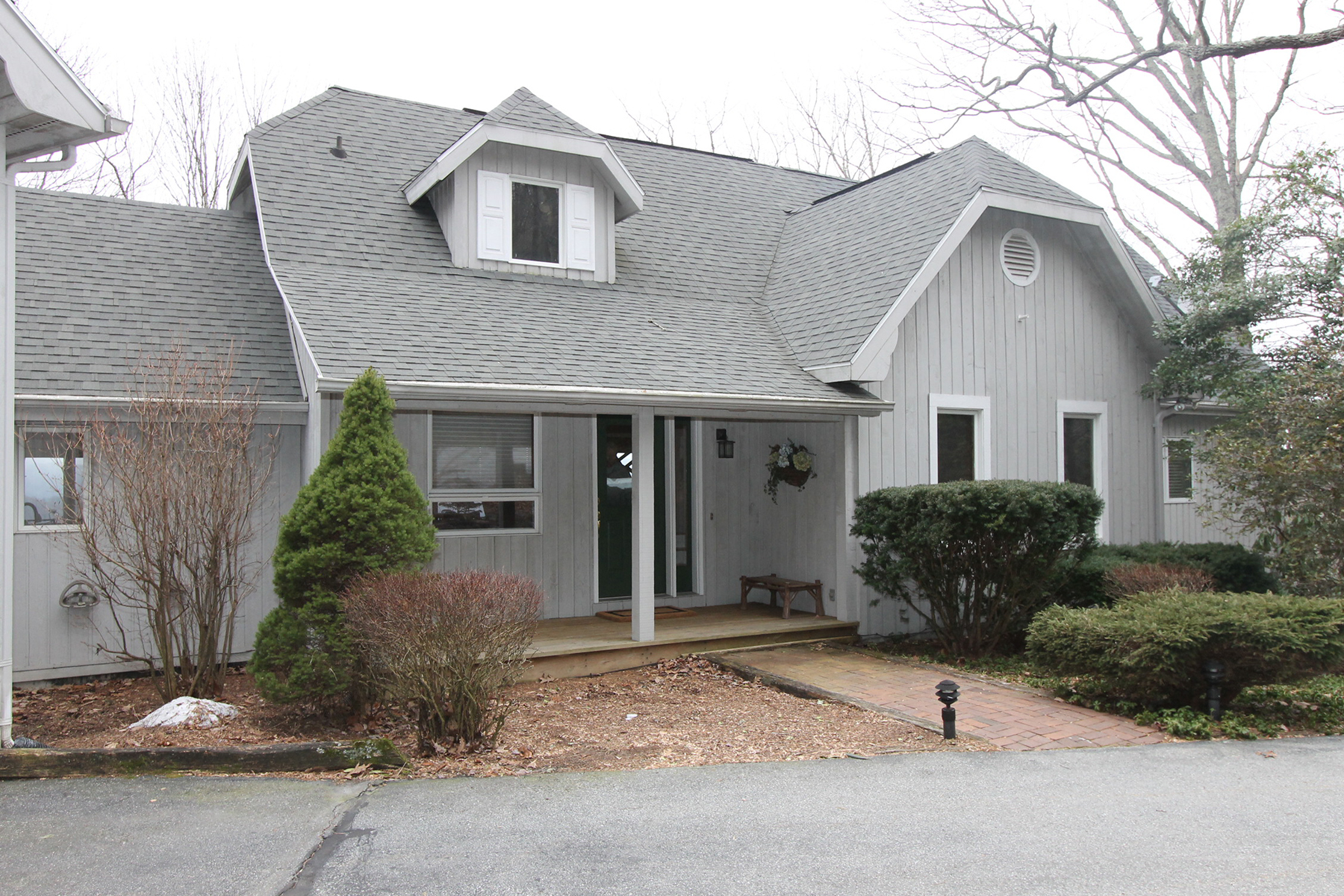 Single Family Home for Sale at BOONE - YONAHLOSSEE 370 Far Sawrey, Boone, North Carolina 28607 United States