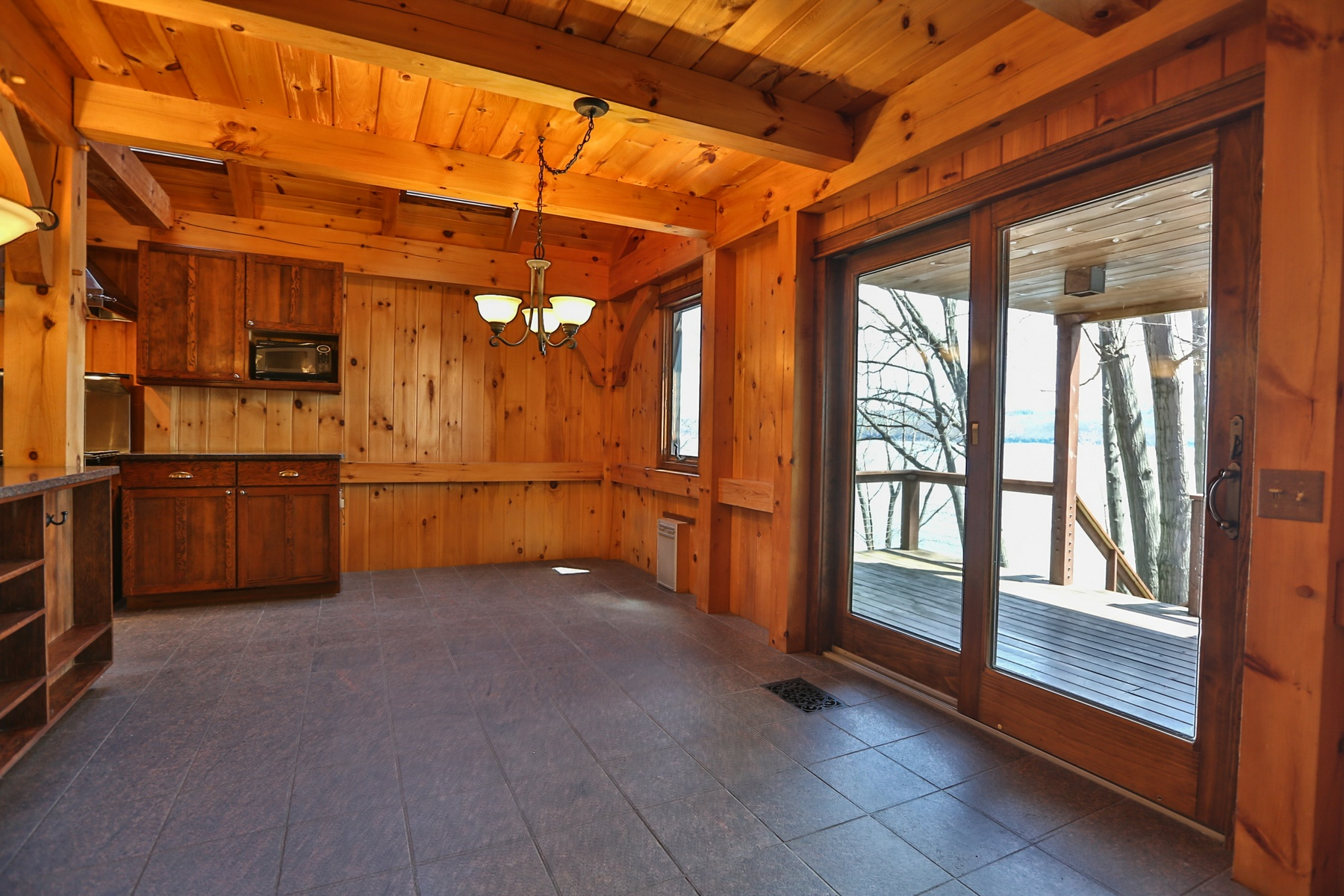 Additional photo for property listing at Spectacular Timber Frame on Seneca  Lake 4572  Lakeview Rd Dundee, 뉴욕 14837 미국