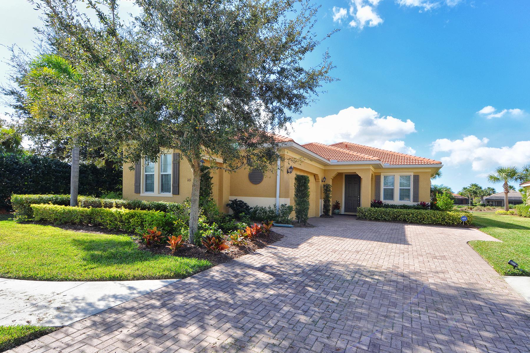 Casa para uma família para Venda às VENETIAN GOLF & RIVER CLUB 101 Lerida Ct North Venice, Florida, 34275 Estados Unidos