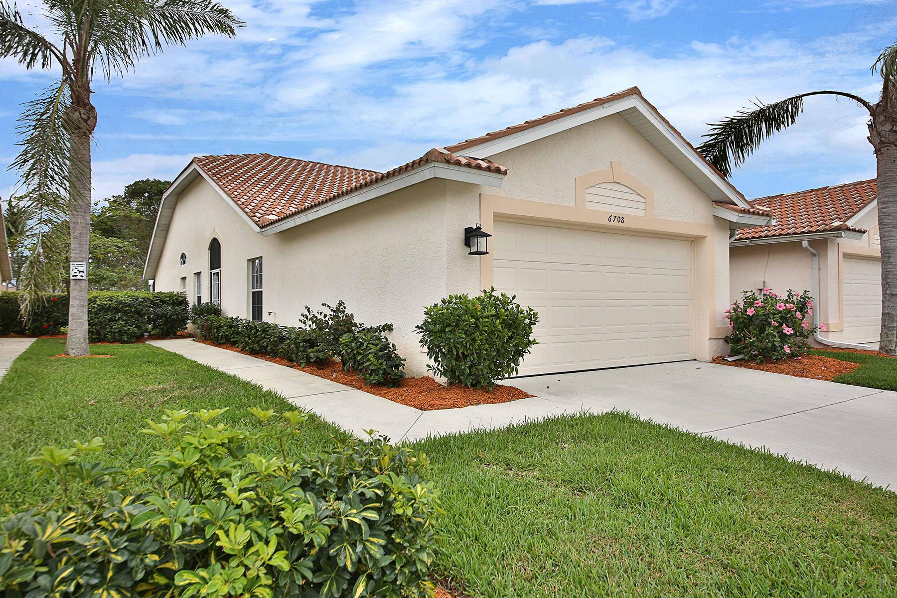 Dúplex por un Venta en LELY RESORT 6708 Calumet Dr 3, Naples, Florida, 34113 Estados Unidos