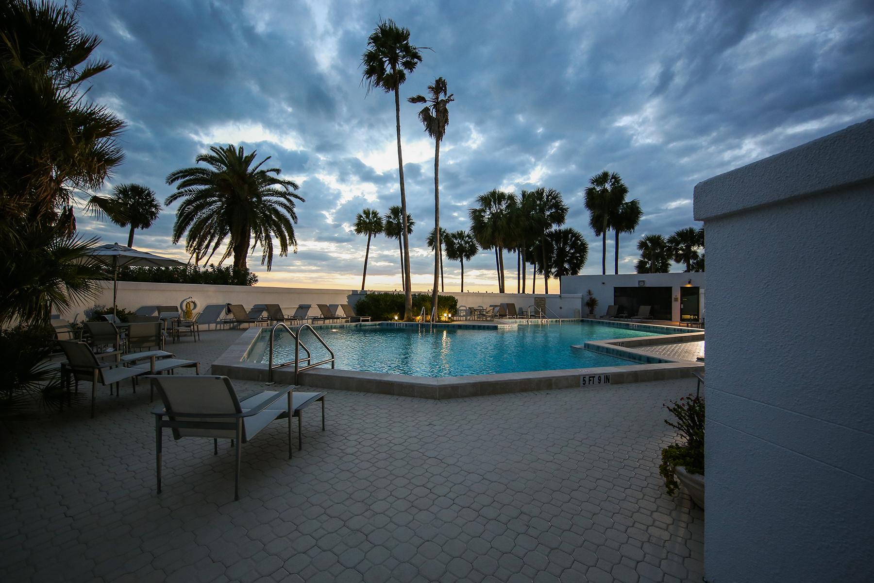 Copropriété pour l Vente à CONDO ON THE BAY 988 Blvd Of The Arts 1514 Sarasota, Florida, 34236 États-Unis