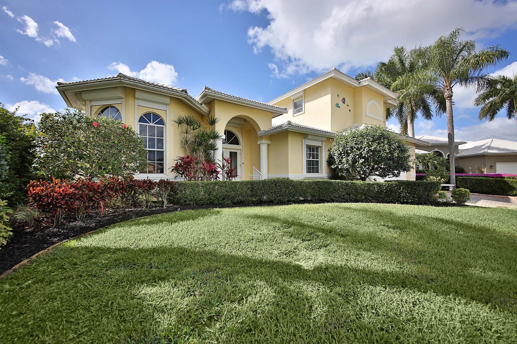 独户住宅 为 销售 在 MARCO ISLAND 132 Shorecrest Ct 马可岛, 佛罗里达州, 34145 美国