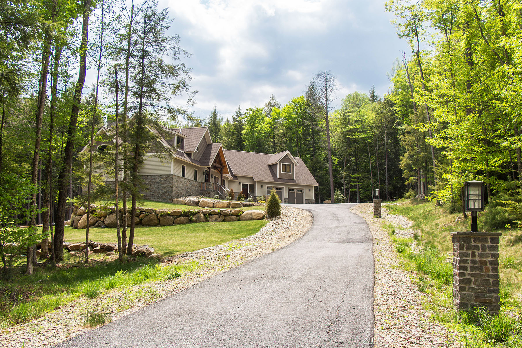 Additional photo for property listing at Luxury Wood Pegged Timber Frame 15  Straight Brook Ln Johnsburg, New York 12853 United States
