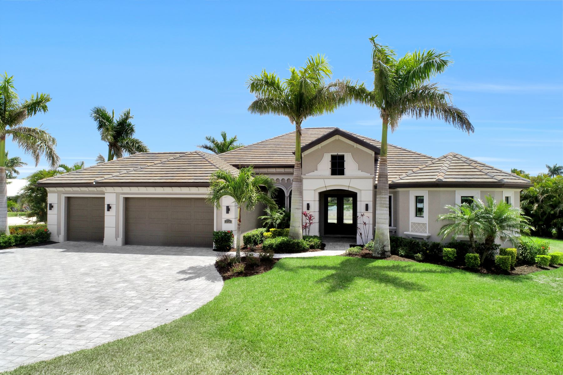 Single Family Home for Sale at CAPE CORAL 2726 SW 48th Terr Cape Coral, Florida 33914 United States