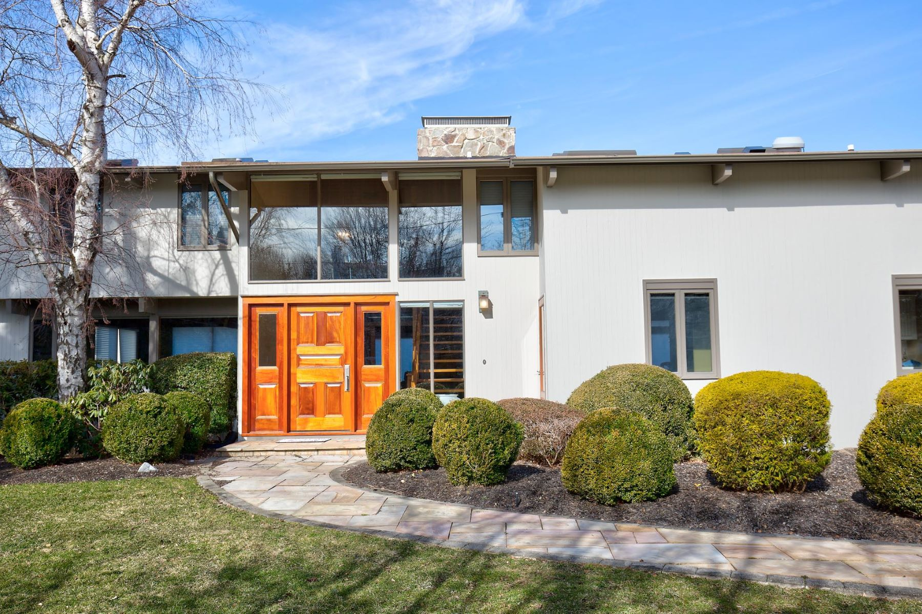 Single Family Home for Sale at 330 Snug Harbor Rd, ,Greenport, New York, 11944 330 Snug Harbor Rd Greenport, New York 11944 United States