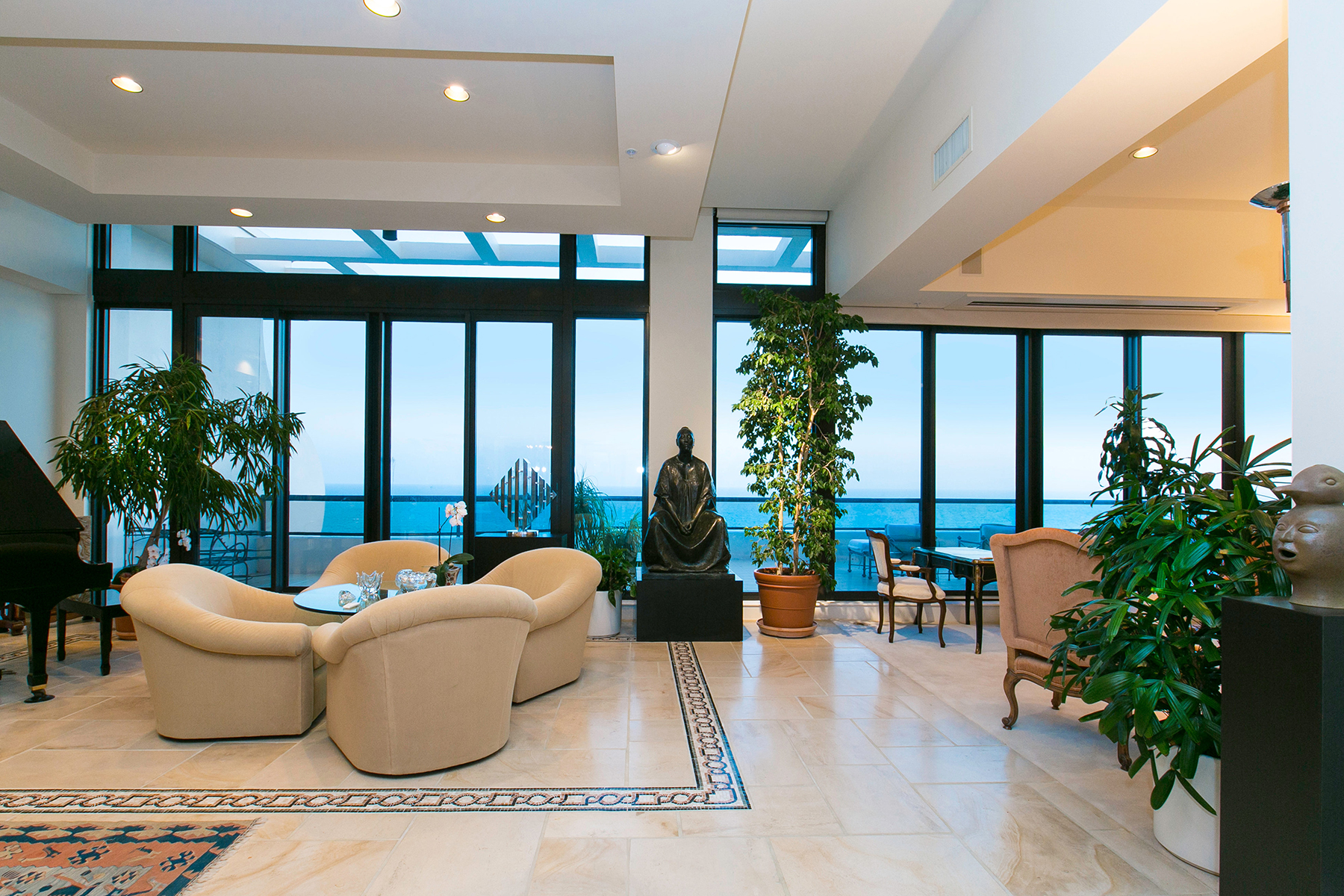 Additional photo for property listing at LONGBOAT KEY 415  L Ambiance Dr PH-C,  Longboat Key, Florida 34228 United States