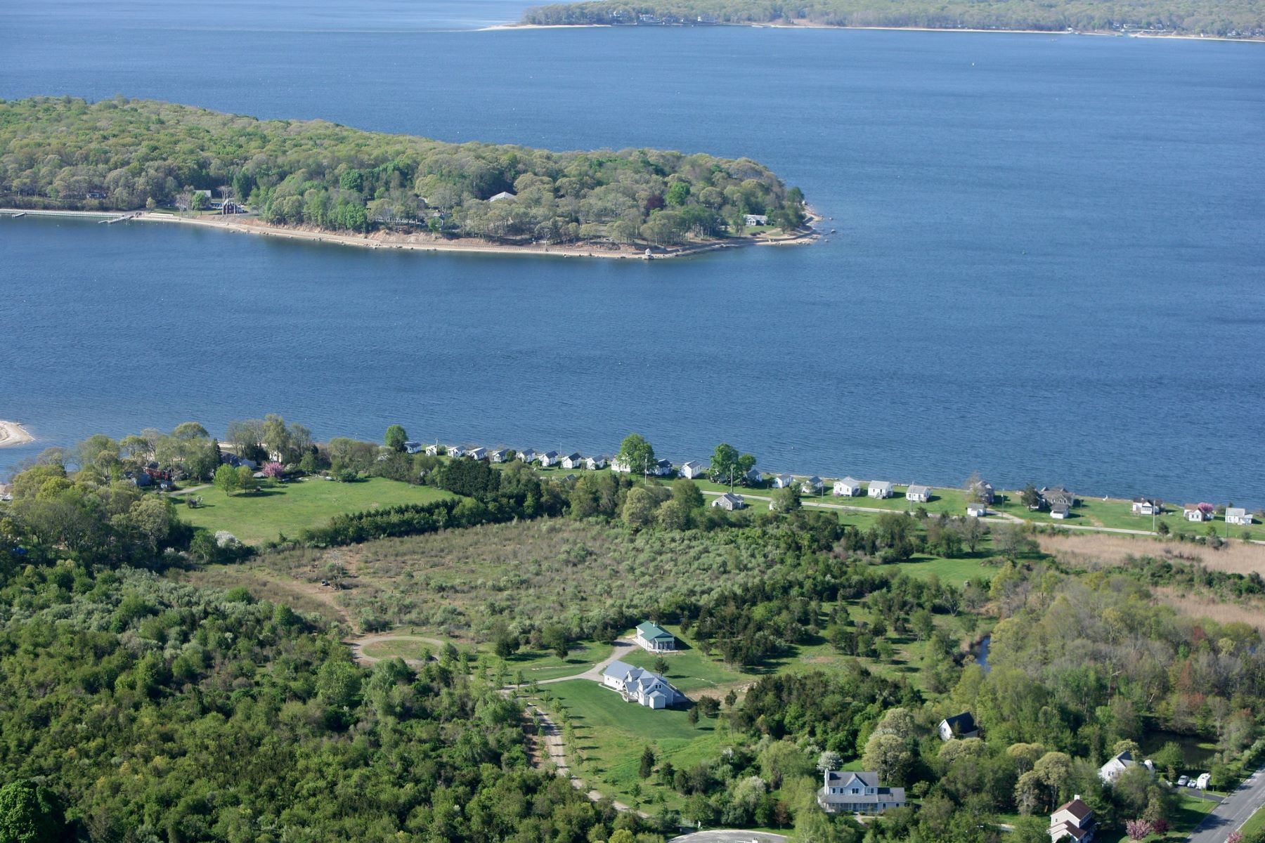 土地,用地 为 销售 在 Island View Ln , Greenport, NY 11944 Island View Ln 格林港, 纽约州 11944 美国