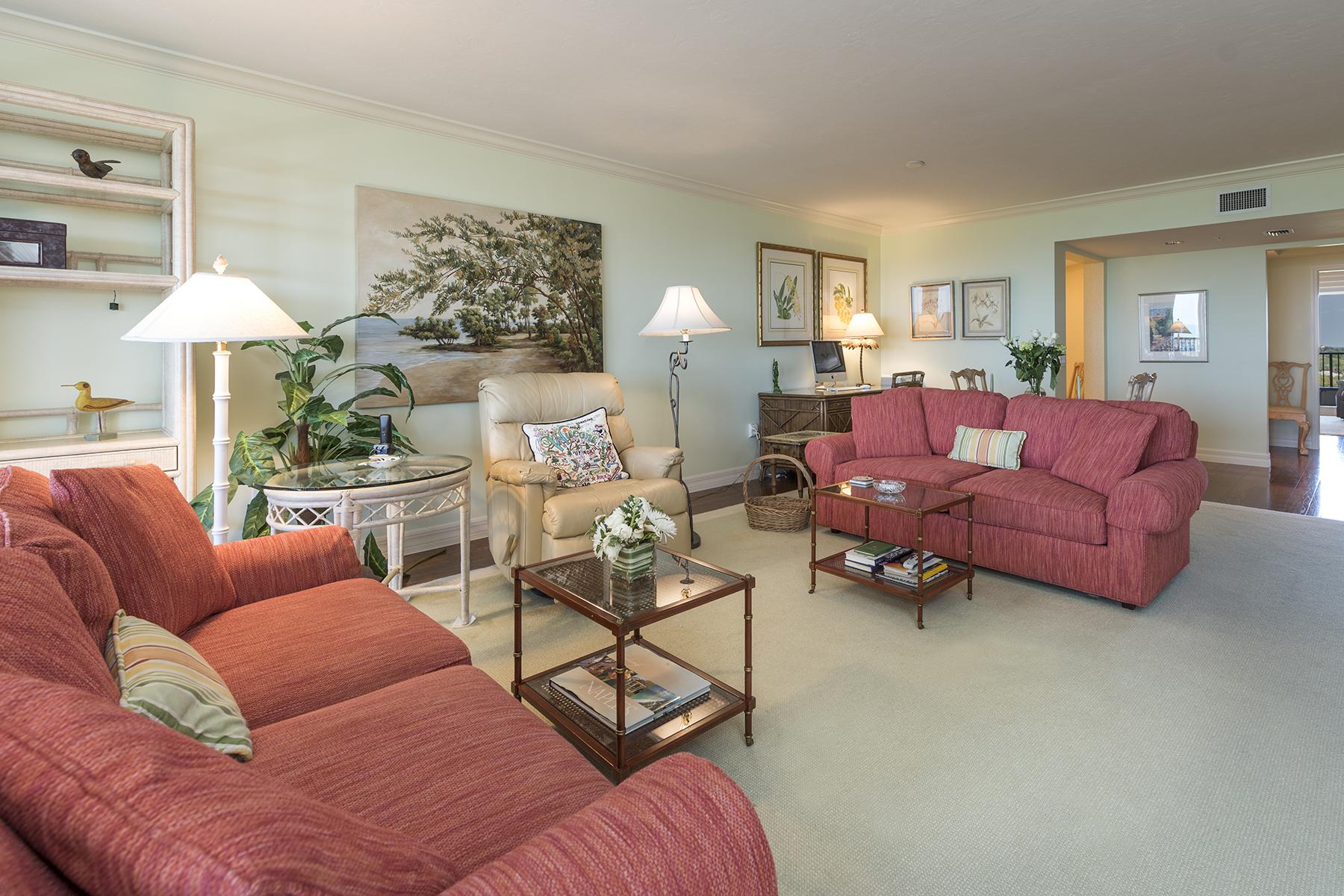 Condomínio para Venda às PELICAN BAY - MARBELLA 7425 Pelican Bay Blvd 1004 Naples, Florida, 34108 Estados Unidos