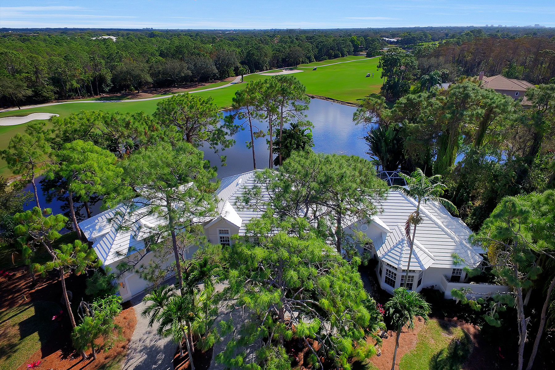 Casa Unifamiliar por un Venta en PELICAN LANDING - PENNYROYAL 24931 Pennyroyal Dr Bonita Springs, Florida, 34134 Estados Unidos