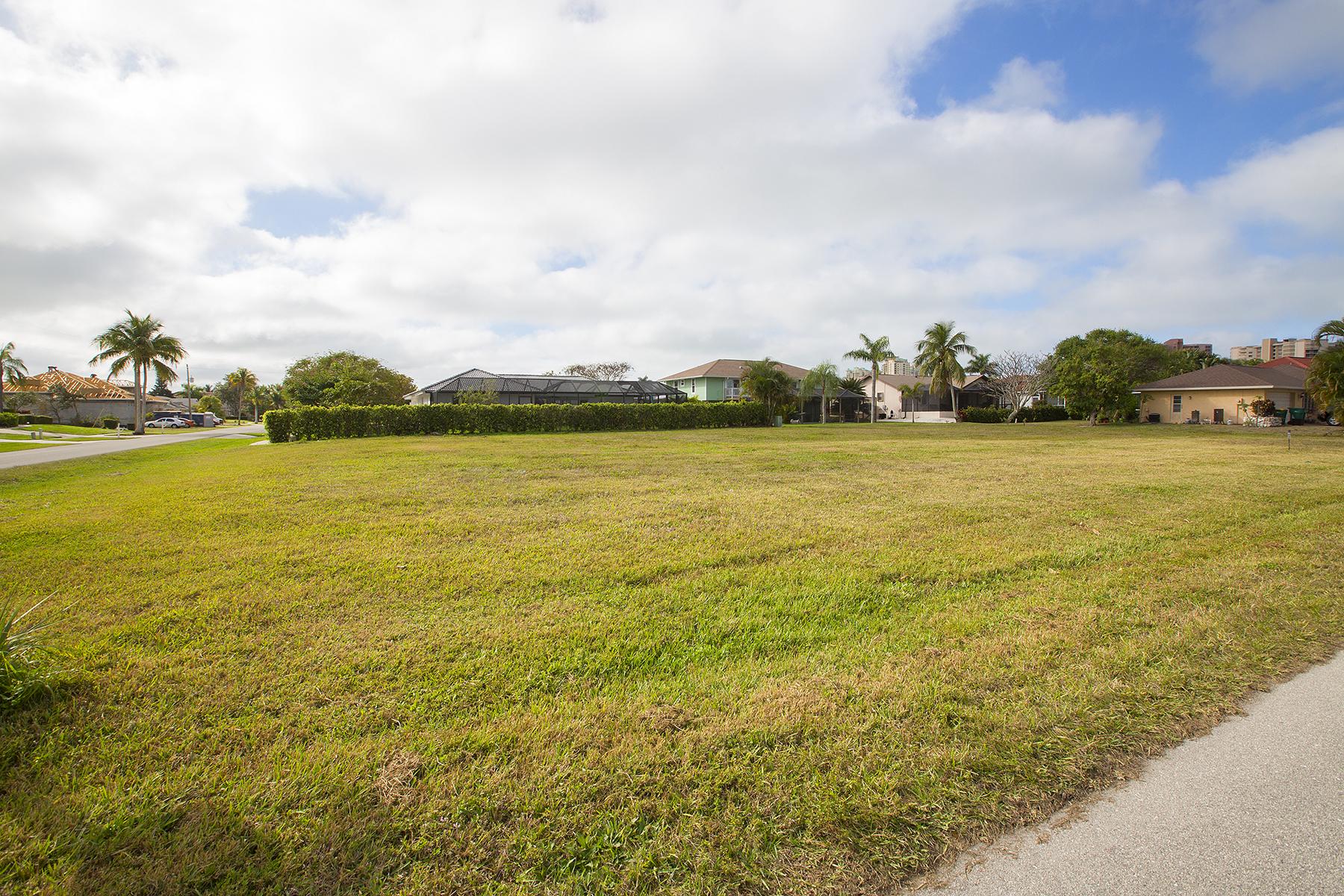 Земля для того Продажа на MARCO ISLAND 1040 Baltic Marco Island, Флорида, 34145 Соединенные Штаты