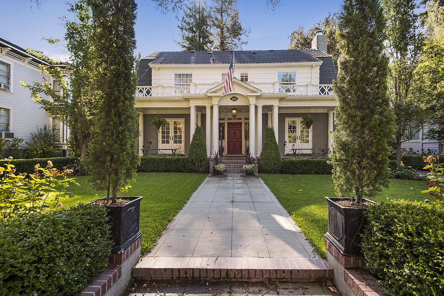 独户住宅 为 销售 在 An Elegant Masterpiece in The Historic District 330 Franklin St 纳帕, 加利福尼亚州 94559 美国