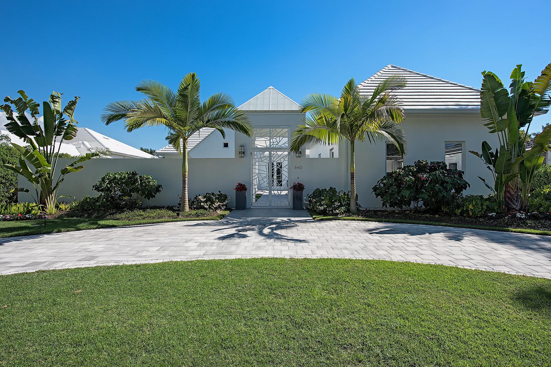 Vivienda unifamiliar por un Venta en AQUALANE SHORES 840 17th Ave S Aqualane Shores, Naples, Florida, 34102 Estados Unidos