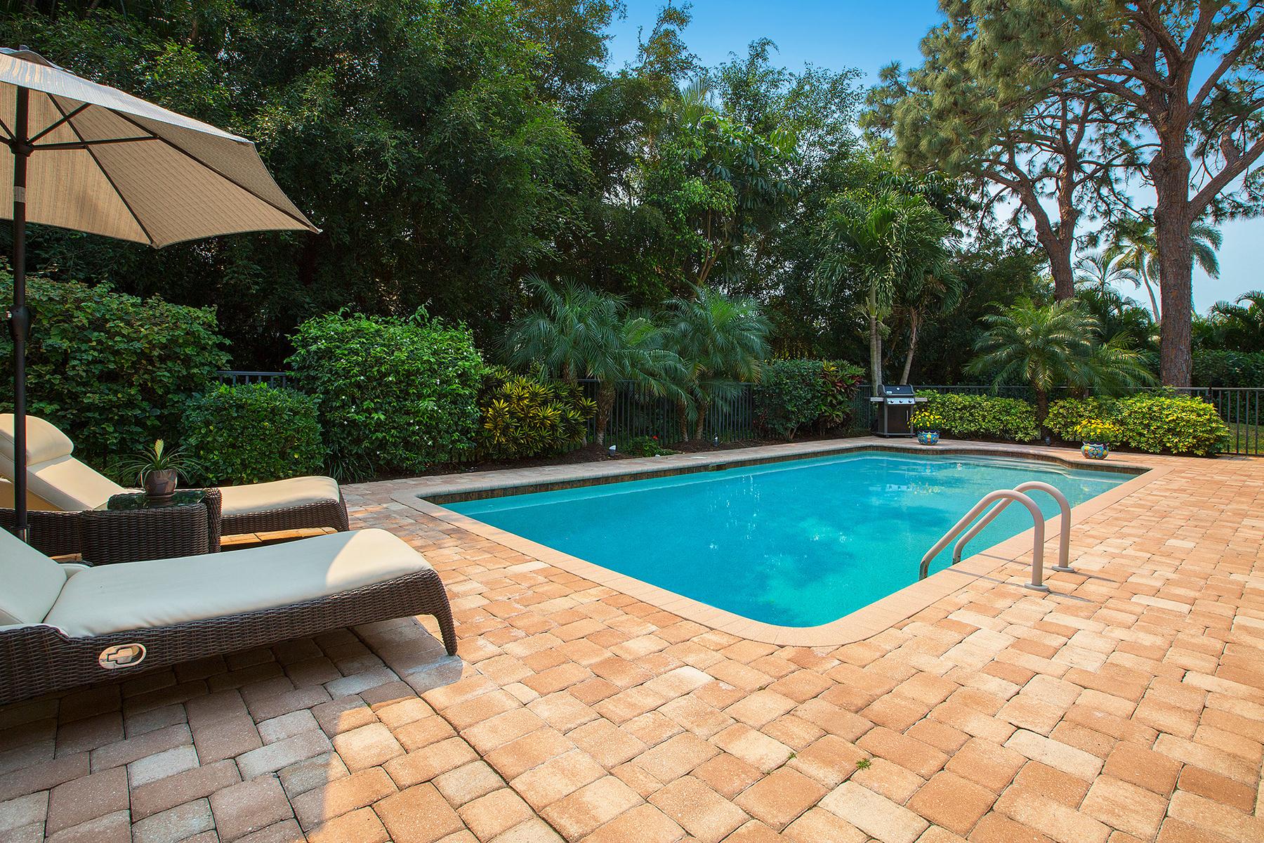 단독 가정 주택 용 매매 에 PARK SHORE 504 Turtle Hatch Rd Naples, 플로리다, 34103 미국