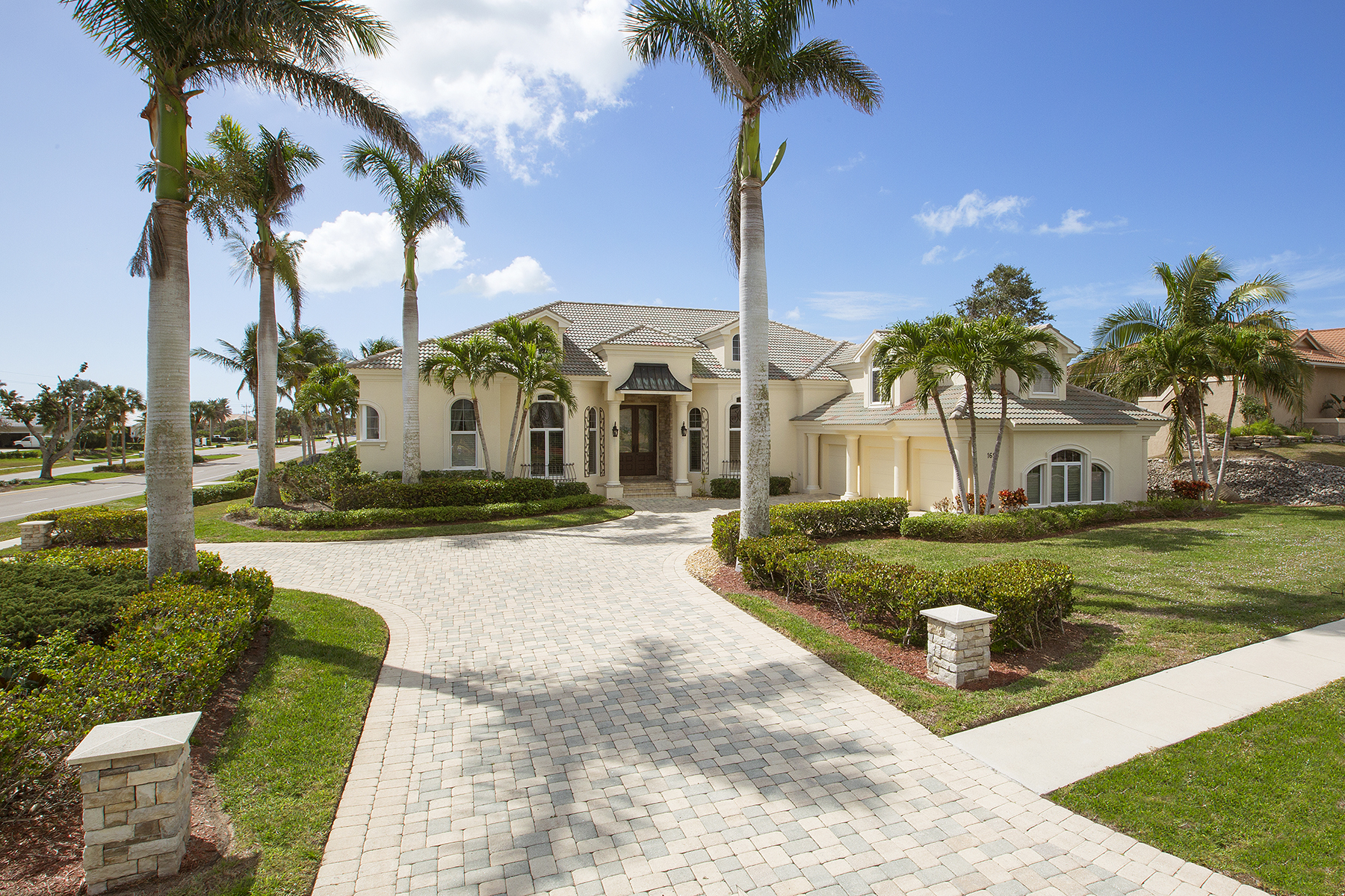 Single Family Home for Sale at MARCO ISLAND 1695 Ludlow Rd, Marco Island, Florida, 34145 United States