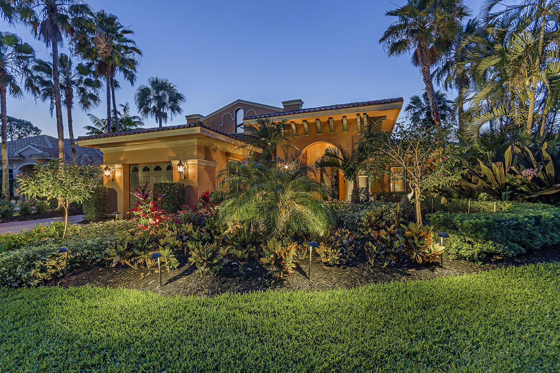 Single Family Home for Sale at KENSINGTON GARDENS 2929 Gardens Blvd, Naples, Florida 34105 United States