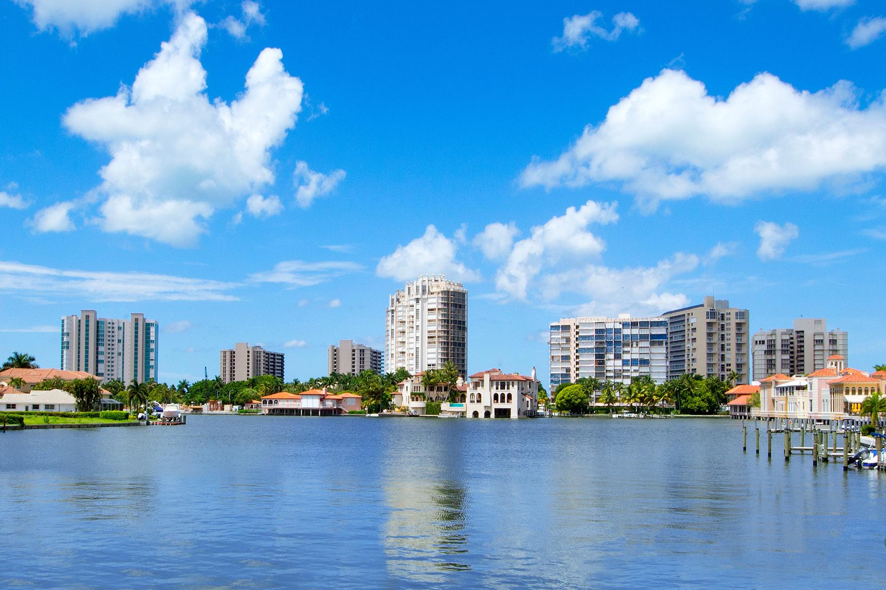 共管式独立产权公寓 为 销售 在 PARK SHORE - COLONY GARDENS 4055 Crayton Rd 4055 那不勒斯, 佛罗里达州, 34103 美国