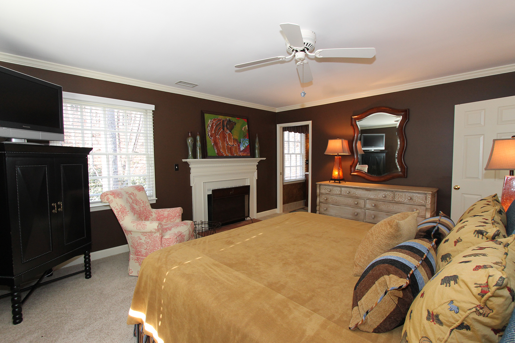 Additional photo for property listing at MAYVIEW - BLOWING ROCK 944  Laurel Lane,  Blowing Rock, North Carolina 28605 United States