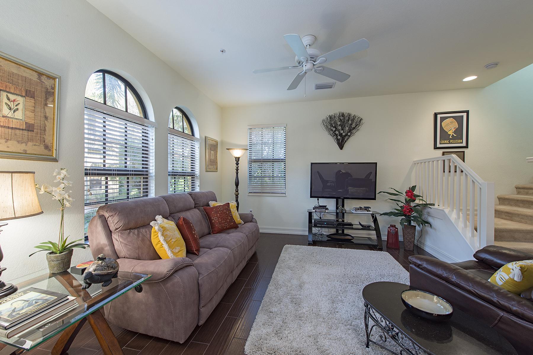 共管式独立产权公寓 为 销售 在 LELY COUNTRY CLUB 9150 Chula Vista St 13105 那不勒斯, 佛罗里达州, 34113 美国